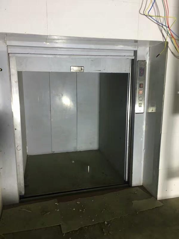 传菜电梯9