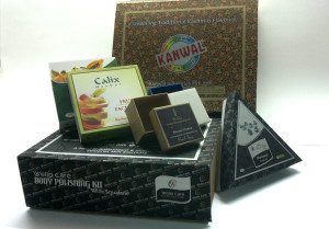 Cosmetic kit boxes