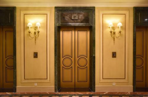 烟台电梯的导轨装置介绍