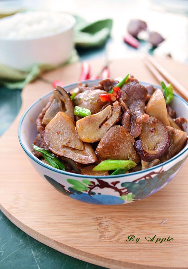 牛柳烩草菇