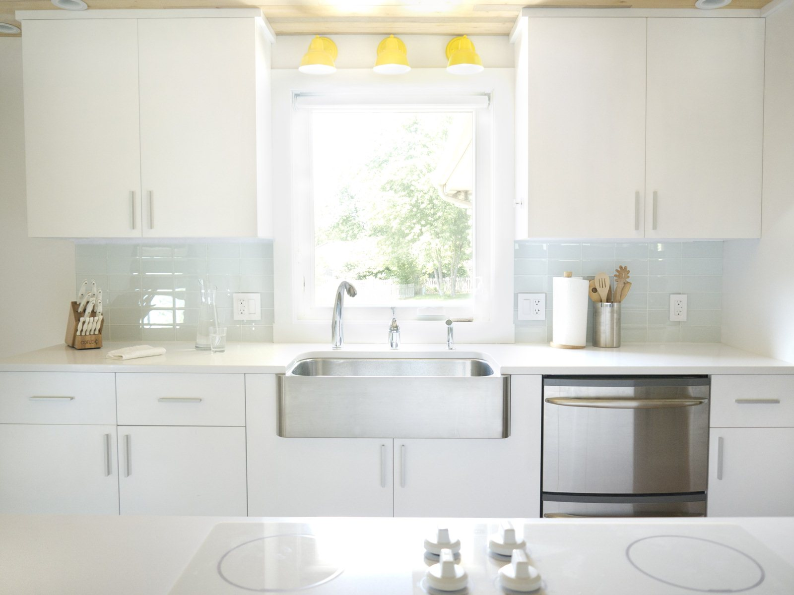 Image of: White Glass Subway Tile Kitchen Backsplash