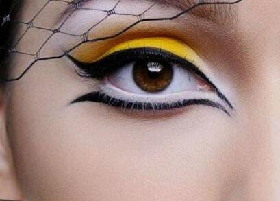 一分钟学会四种眼线画法 眼线的画法步骤图很