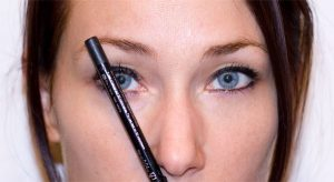 perfectly shaped eye brows step 2