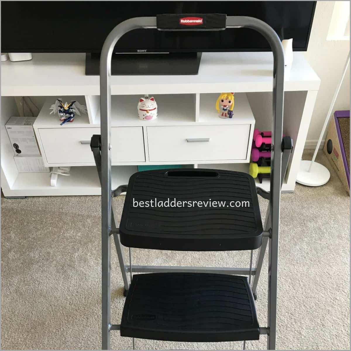 Rubbermaid RM-3W Folding 3-Step Steel Frame best step ladders for home use