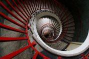 Sognare scale: le differenti interpretazioni di questa frequente visione onirica