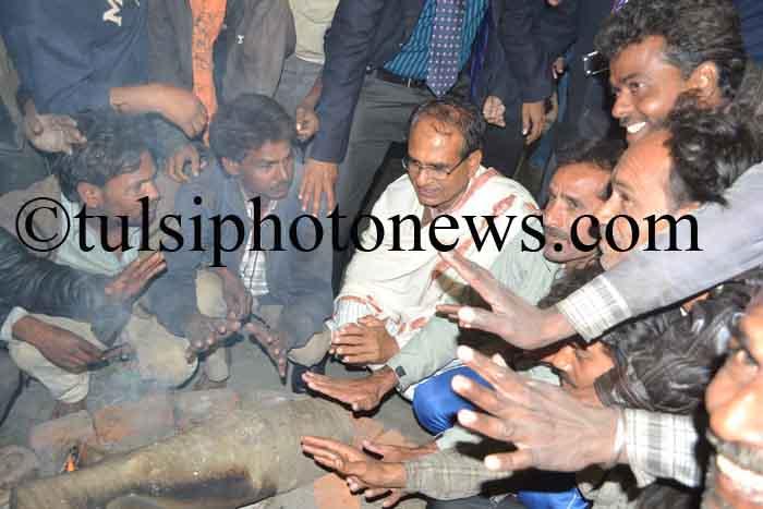 Shivraj singh Chouhan with poor peoples