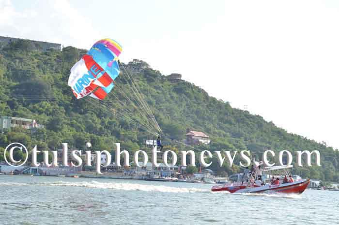 Boat parasailing on Upper Lake, Bhopal 1
