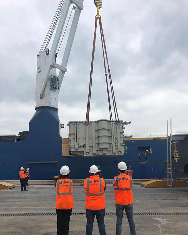 Ilya team on board! Loading 146mt of trafos at Derince Port, Turkey.  #IlyaShipAgency #IlyaShipping #ProjectCargo