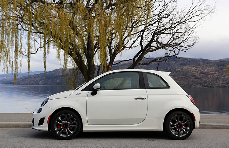 2018 Fiat 500 Turbo side
