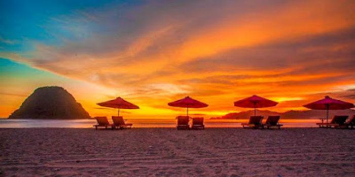 Yuuk Wisata ke Pantai Pulau Merah Banyuwangi yang Memikat Hati