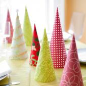 Christmas centerpiece ideas: paper trees
