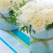 Christmas centerpiece ideas: carnations