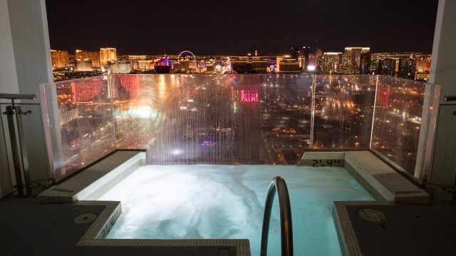 A Jacuzzi at Palms Casino Resort with a view over the city.