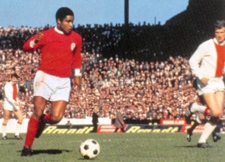 Eusebio in action against Ajax in 1969