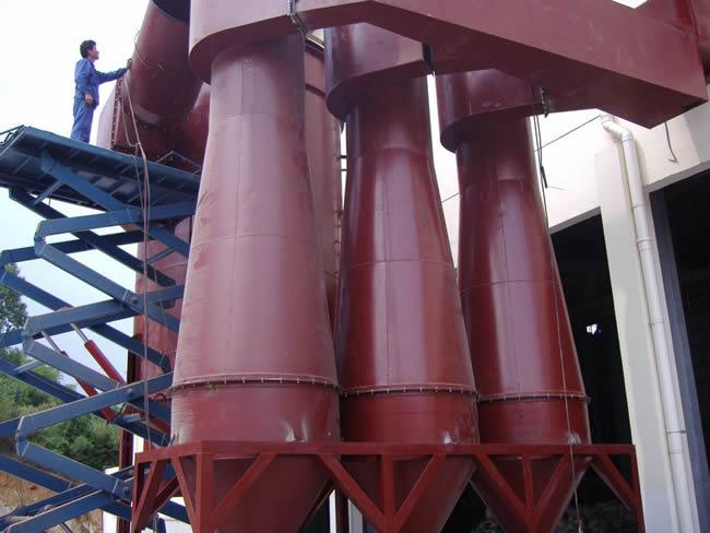 XZZ型旋风收尘器可单体使用外,亦可多筒组合,由一共同的进出所母管联接,满足任何烟气量的处理。XZZ型旋风收尘器具有:结构简单新颖、高效中阻、负荷适应性强、运行稳定可靠、