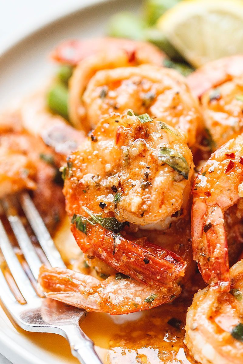 Garlic #Butter #Shrimp with #Asparagus - #eatwell101 #recipe - So much flavor and so easy to throw together, this #shrimp #dinner is a winner!