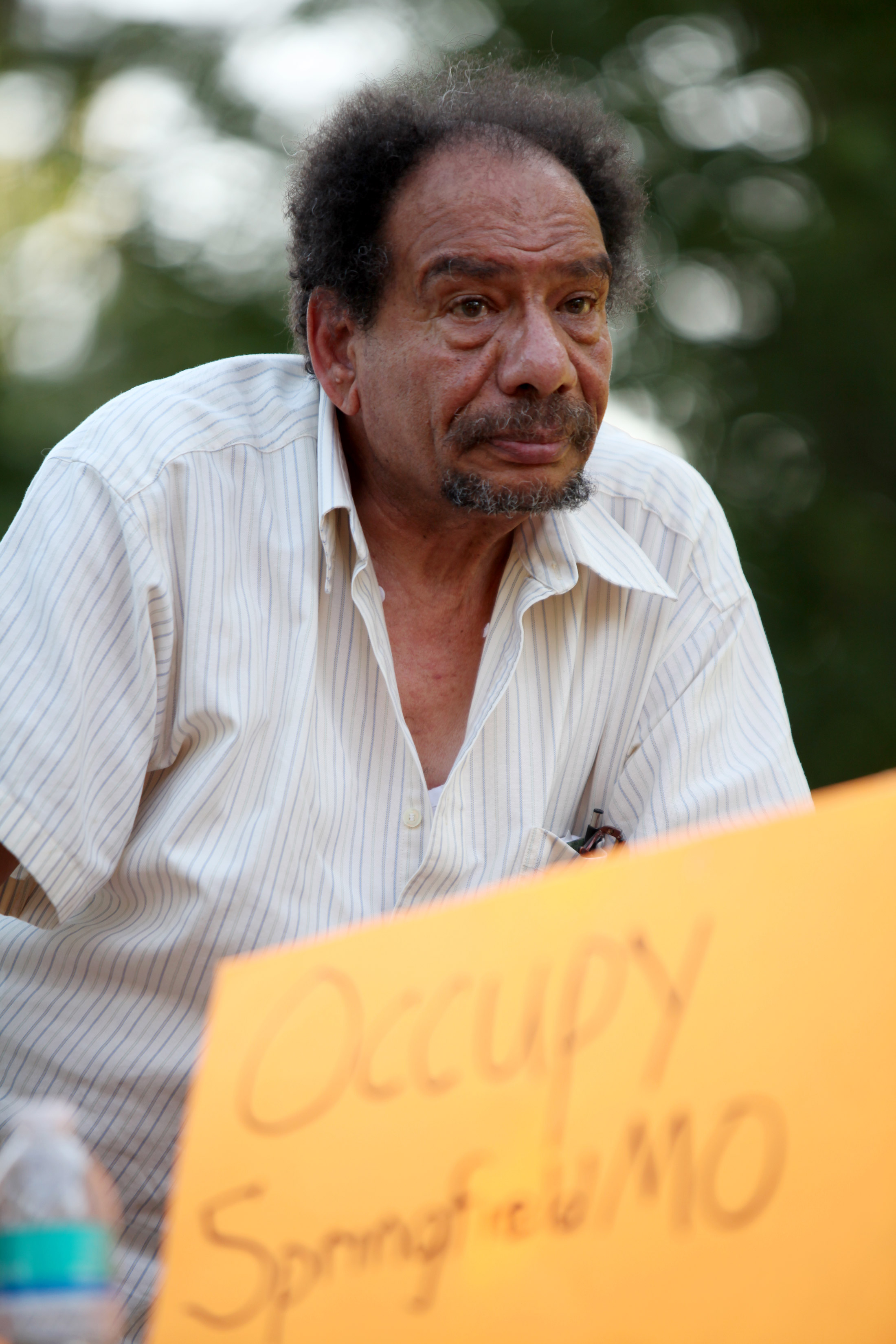Abdo Soliman addresses his fellow Occupiers at an Occupy 417 meeting.