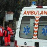Livorno, precipita dal terzo piano di un palazzo mentre lava una finestra: muore a 59 anni