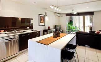 1 Bdrm Resort - Kitchen and Lounge