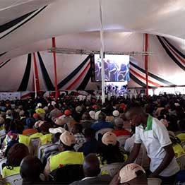 Machakos residents await the arrival of President Uhuru Kenyatta at