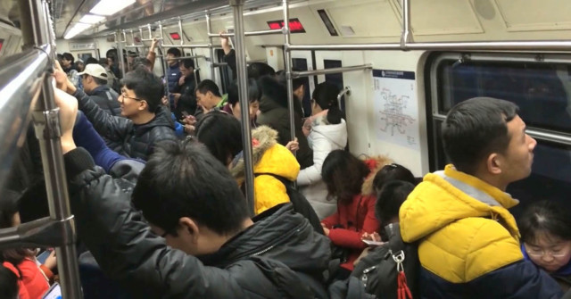 Chinese commuters - 996