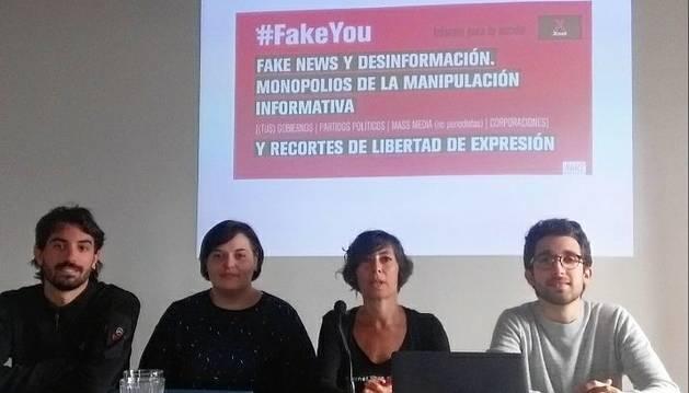 Investigadores y miembros de Xnet en la presentación del informe 'Fake you'.
