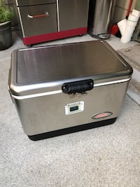 Coleman Steel Ice chest with padded cover Concord, 94518