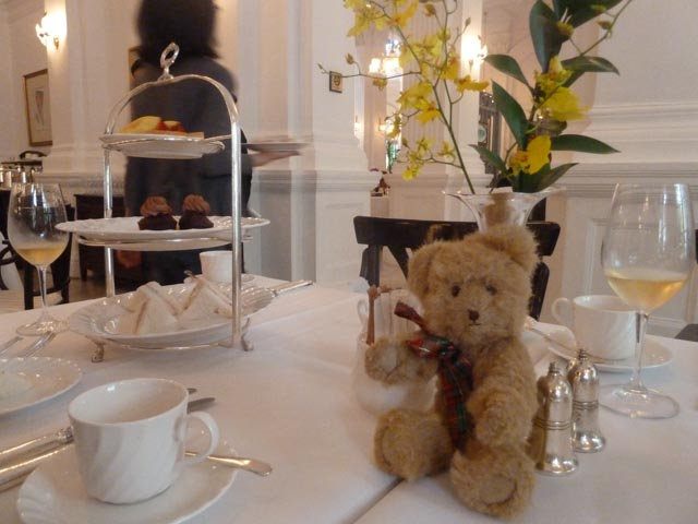 Hamish does High Tea at Raffles Hotel in Singapore
