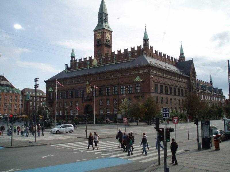 Copenhagen City Hall, first opened in 1905, is the headquarters for the Municipal Council and the Lord Mayor.