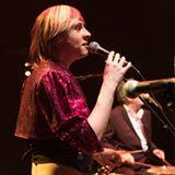 Photo de profil de Justine Théâtre du Cristal, L'image contient peut-être: 1 personne, sur scène