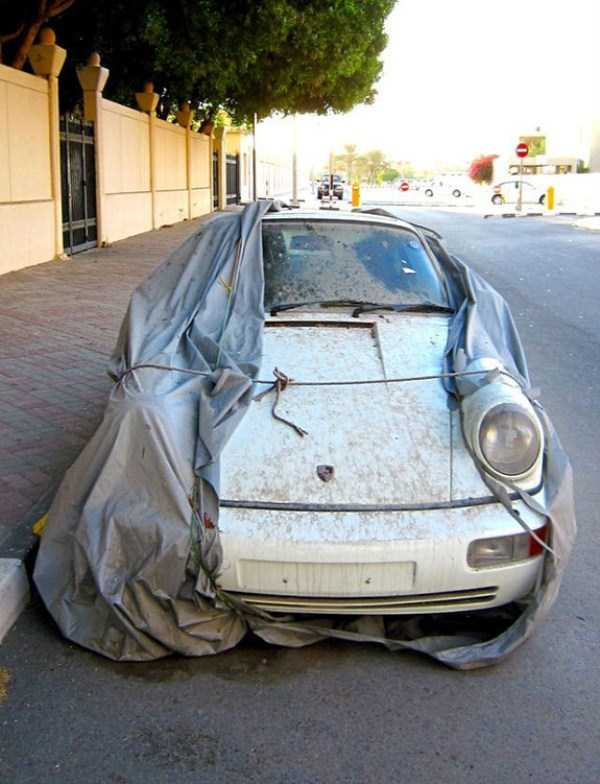abandoned-cars-dubai-05