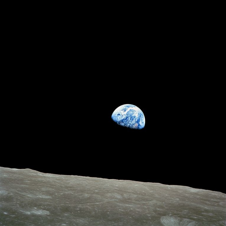 768px-NASA-Apollo8-Dec24-Earthrise
