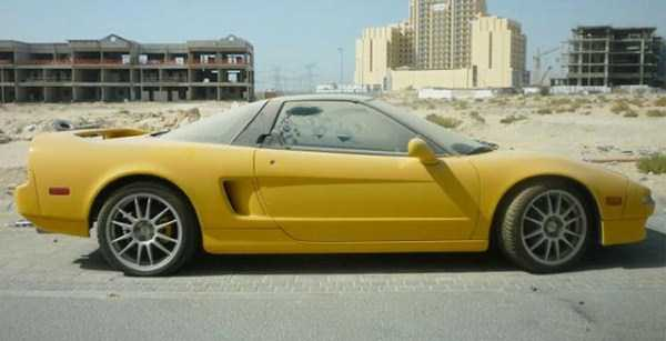 abandoned-cars-dubai-13