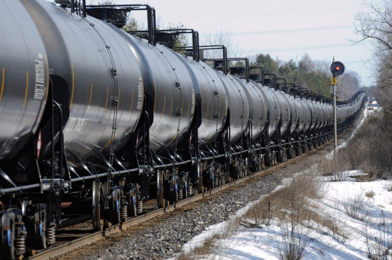 oil-train2