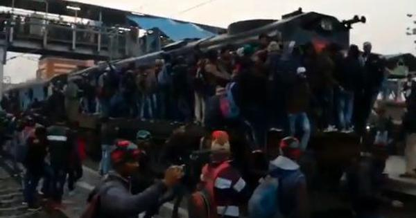 Watch: Chaos at Bihar railway stations as thousands of unreserved passengers try to board trains