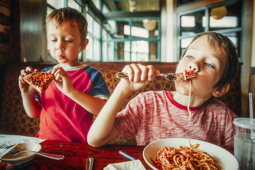 Kids-eating-for-free-at-a-Restaurant