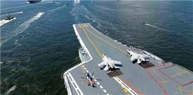 实拍海军辽宁舰编队驶离香港