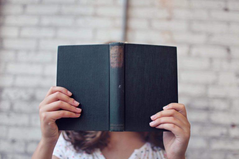 blur-books-girl-373465