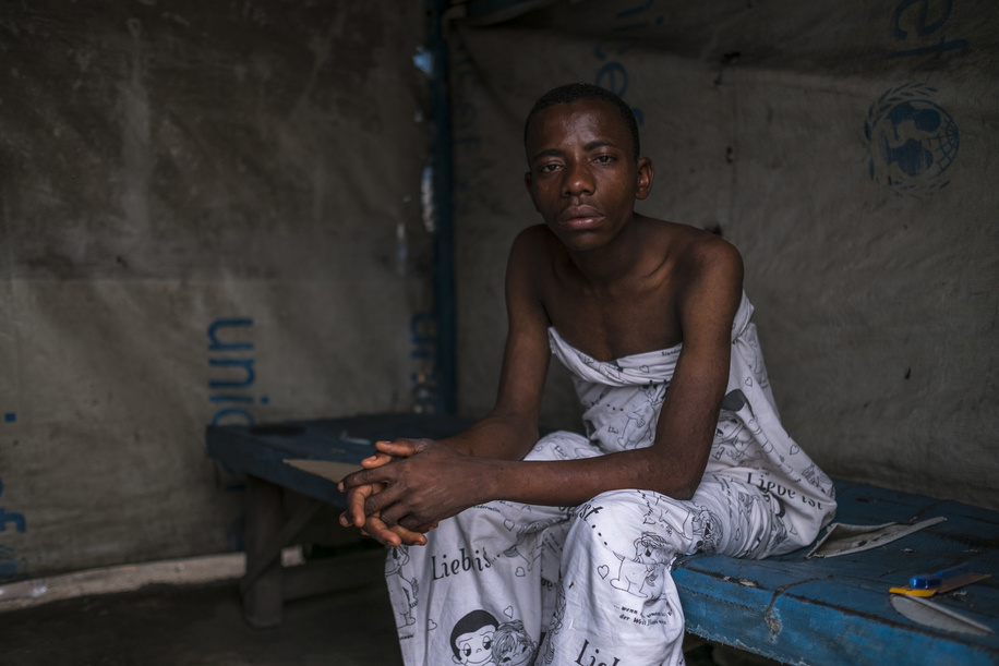 Cholera health facilities in Democratic Republic of the Congo.  A man suffering from cholera is pictured at the MSF clinic at the slum of Pakajuma in Kinshasa.
