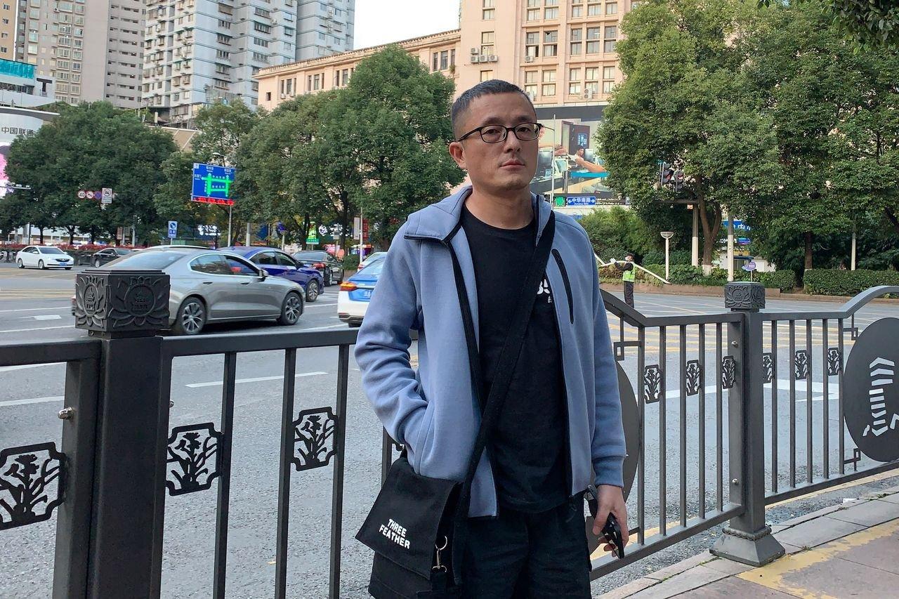图为卢昱宇今年早秋在中国。