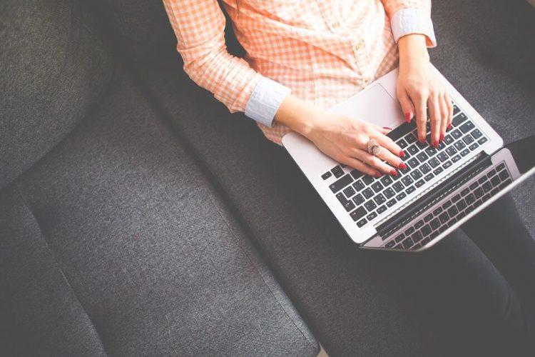 Contoh Lamaran Kerja melalui Email