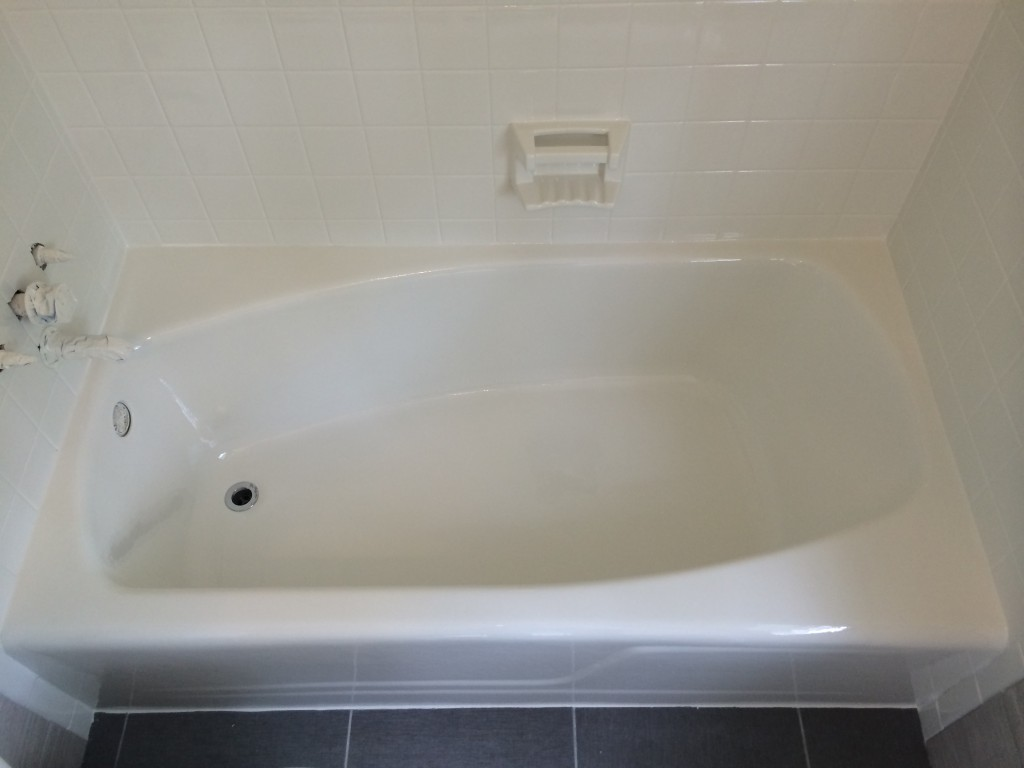 beautiful white tub after refinishing
