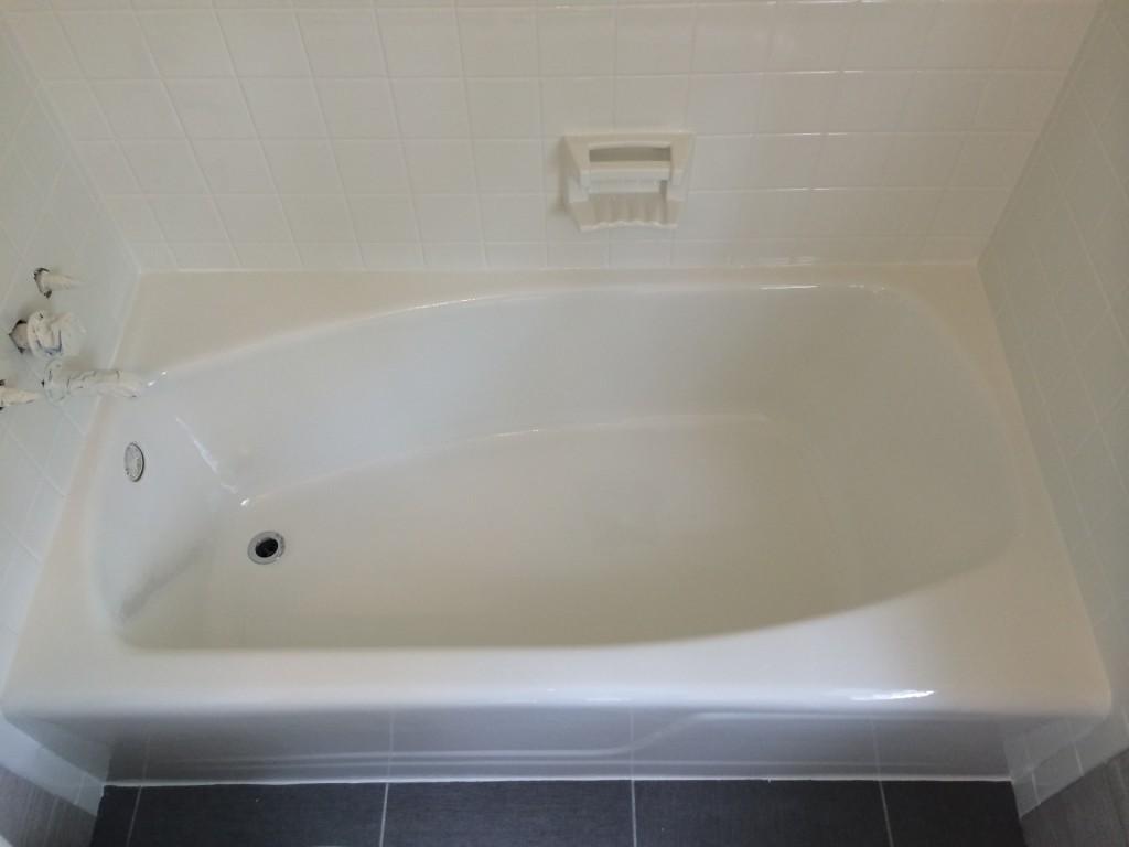 beautiful white tub after refinishing