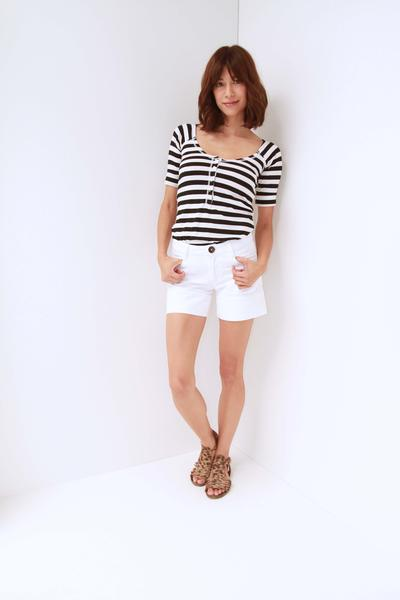 Betsy Tee in Navy and White Medium Stripe