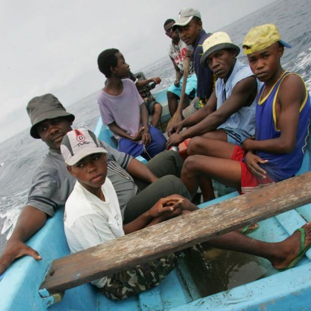Migrants from Anjouan on a kwassa-kwassa