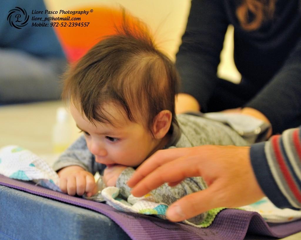 למה חשוב לעסות ולהניע את התינוק?