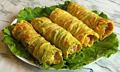 Roasted Chinese cabbage rolls.