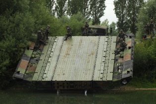 PFM Motorized Floating Bridge technical data sheet specifications information description pictures photos images video intelligence identification CNIM France French army defence industry military technology